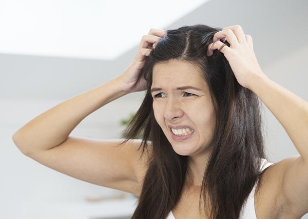 Cheveux et pellicules